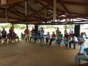 O secretario de administração Paulo Arthur Terra, que Steve na Aldeia Aturua, junto com as demais autoridades de Paranatinga, conta como foi a finalização da conversa com os indígenas sobre a escola em construção.