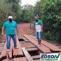 Vereador Edson do Sindicato visita Aldeia Paikum (Bakairi) e Cacique Wesley e Odil faz cobranças a prefeitura para  que recupere ponte que esta quase  quase intransitável