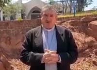 Vereador João Lopes agradece Dom Vital Chitolina pela chegada da Universidade Católica em Paranatinga