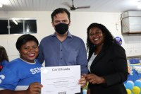Vereadora Eva Auxiliadora e Deputado Thiago Silva fazem entrega de certificados de cursos profissionalizantes em Paranatinga